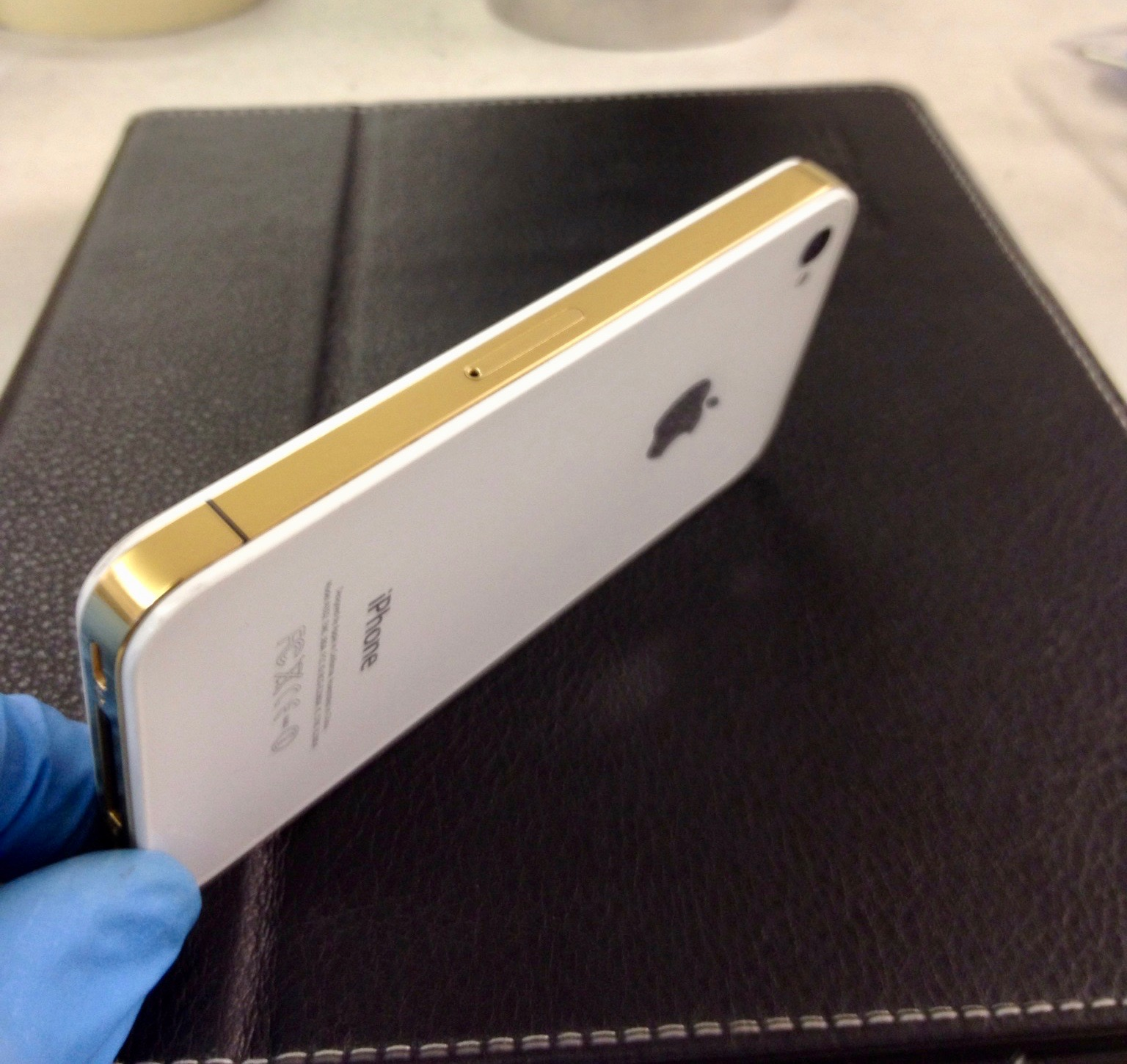 24k gold plating on an iphone